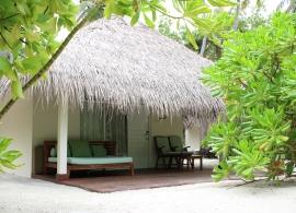 Vakarufalhi Maldives - plážová vila