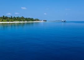 Vakarufalhi Maldives - pohled z moře