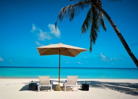 Velaa Private Island - výhled z plážové vily