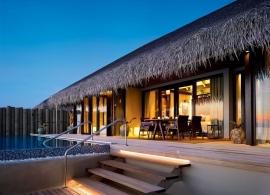 Velaa Private Island - Sunset deluxe vodní vila s bazénem
