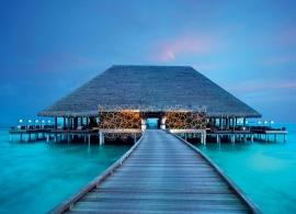 Velaa Private Island - restaurace Aragu