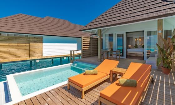 Olhuveli Beach resort - vodní vila grand s bazénem