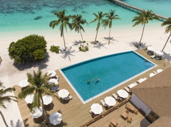 Reethi Faru resort - zájezd na Maledivy