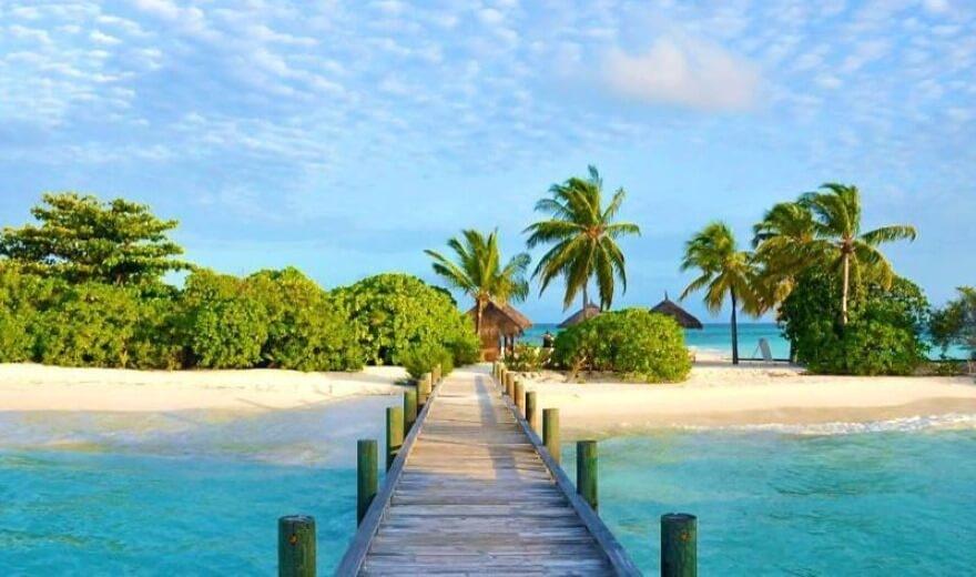 Guesthousy na obydlených ostrovech Malediv