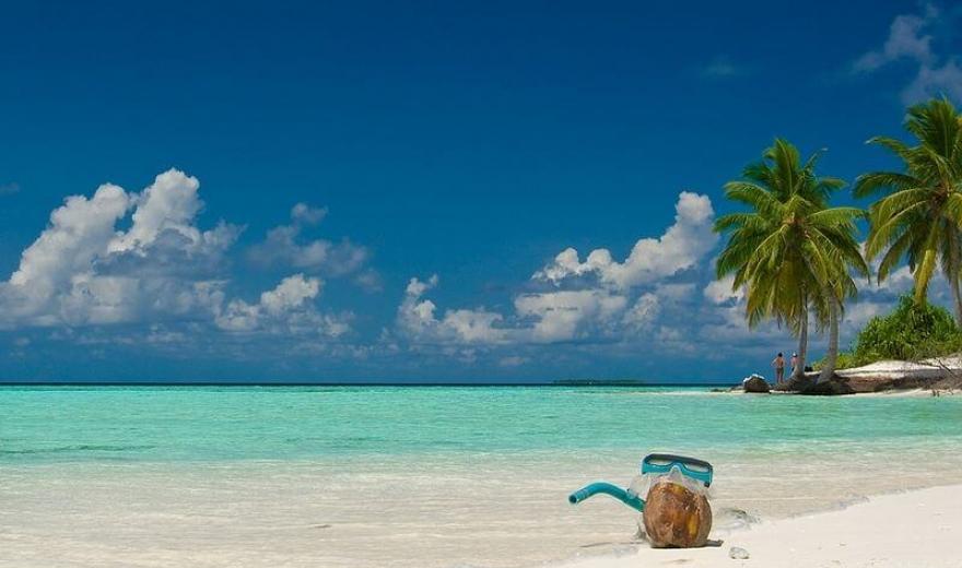 Maledivy pláže