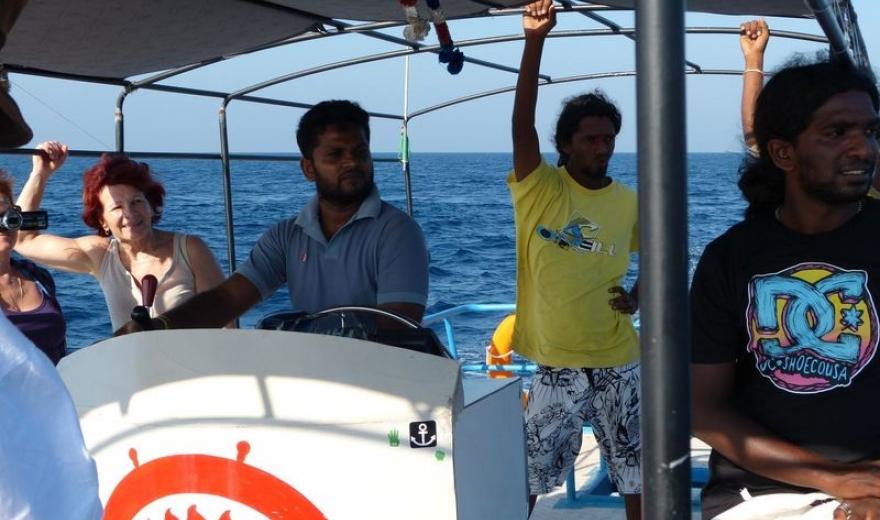 Posádka naší lodi na pozorování velryb
